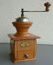 Große alte C.A.L. Lehnartz Kaffeemühle Holz Kaffee Mühle Geschm. Werk Höhe 29 cm