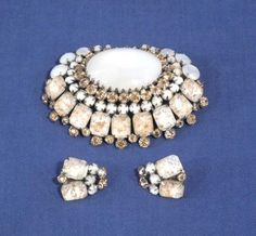 Exquisite Signed Schreiner New York Large Pin + Earrings Set w/ Gold Lutz Flakes