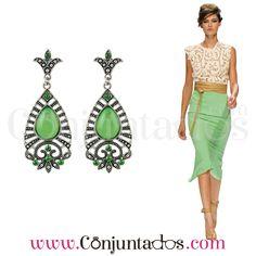 Pendientes Natasha en plateado y verde ★ 12'95 € ★ Cómpralos en https://www.conjuntados.com/es/pendientes/pendientes-natasha-en-plateado-y-verde.html ★ #pendientes #earrings #conjuntados #conjuntada #joyitas #lowcost #jewelry #bisutería #bijoux #accesorios #complementos #moda #eventos #bodas #invitadaperfecta #perfectguest #party #fashion #outfit #estilo #style #streetstyle #GustosParaTodas #ParaTodosLosGustos