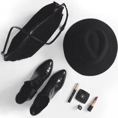 Accessories: Chelsea boots, structured tote, fedora, lipstick #flatlay #flatlayapp