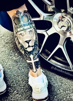 #sleevetattoo #liontattoo #legtattoo #realistictattoo #fitness #artwork #bodyart #black #makeup #illustration Leg Tattoos, Sleeve Tattoos, Tattoos For Guys, Makeup Illustration, Black Makeup, Lion Tattoo, Body Art, Ink, Fitness