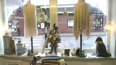 More gorgeous Christmasness ... this time from the #RAFT of #Newent store, looking lovely in winter white ready for the lighting of the Christmas lights in town. Trudy will be there with a smile until 6pm.