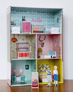Archidoll (pic 2/2 - love this vintage style box house. See exterior pic 1/2)