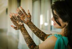 Portrait mehendi designs for Bride Disha Mehendi Photography, Indian Wedding Photography Poses, Bride Photography, Photography Ideas, Indian Wedding Poses, Mehndi Ceremony, Wedding Stills, Wedding Couple Photos, Bride Poses