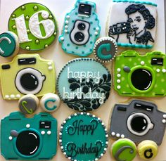 Dear husband....I want these for my b-day!!!! http://hayleycakesandcookies.com/
