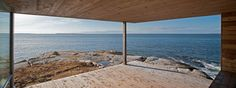 elongated-waterfront-house-with-amazing-sea-views-7.jpg