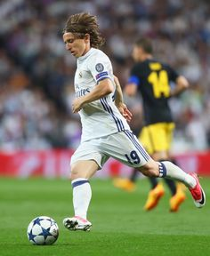 Luka Modric of Real Madrid in action during the UEFA Champions League semi final first leg match between Real Madrid CF and Club Atletico de Madrid at Estadio Santiago Bernabeu on May 2, 2017 in Madrid, Spain.