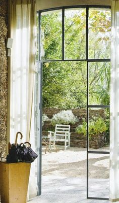 windows ~ let the outdoors in... https://www.pinterest.com/viziglar/natural-decor-and-pieces-of-art-~/