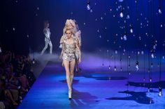 Marc Jacobs Dreamed Up a Wild Runway Show —and Every Supermodel Came Through