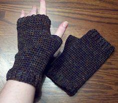Ravelry: Basic Fingerless Gloves for Guys pattern by Jen Spears