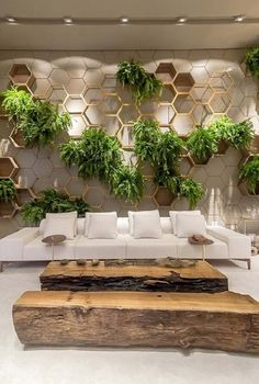 39 Delicate Indoor Garden Design Ideas To Inspire You Everyday - Your garden does not have to be boring inside. I believe many people shy away from an indoor garden is because of their lack of imagination on design. Vertical Garden Design, Home Garden Design, Interior Garden, Home And Garden, House Design, Vertical Gardens, Indoor Garden, Garden Wall Designs, Vertical Bar