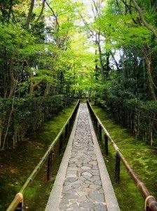 zen temple walkway    from http://www.zenartsla.com