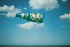 Heineken beer bottle / Heineken-fles-1.jpg (1107×745)