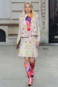 Chanel Spring 2015 Ready-to-Wear Fashion Show - Daphne Groeneveld (Women)
