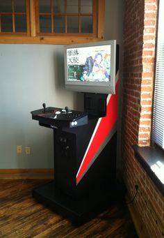 An interesting, original MAME cabinet design. Retropie Arcade, Bartop Arcade, Arcade Stick, Arcade Room, Arcade Games, Arcade Game Machines, Arcade Machine, Nerd Room, Gamer Room