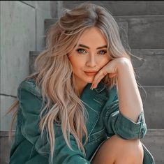 Girl Meets World, Foto Twitter, Sabrina Carpenter Style, Corte Y Color, Famous Girls, Girl Photography Poses, Celebs, Celebrities, Woman Crush