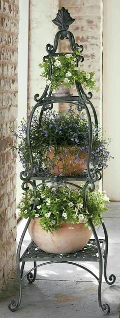DIY Outdoor: Making Porch Plants For Summer Each piece of this Florentine Plant Etagere handsomely showcases your favorite plants. The post DIY Outdoor: Making Porch Plants For Summer appeared first on Garden Ideas. Porch Plants, Indoor Plants, Indoor Herbs, Container Plants, Container Gardening, Florentine Gardens, Pot Jardin, Garden Planters, Diy Planters