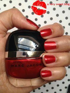 Resultado de imagem para Marc Jacobs Enamored Nail in Surrender Dorothy,