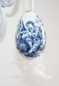 Pisanka ozdobiona motywem Toile de Jouy / handpainted Easter egg