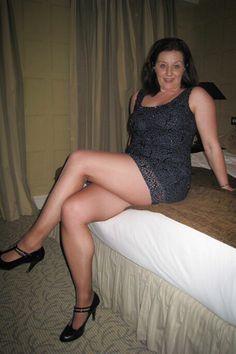 Topless Nude Rude Mature Women HD