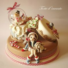 EDITOR'S CHOICE (11/17/2013) Sweet Xmas by Torte d'incanto  View details here: http://cakesdecor.com/cakes/97499
