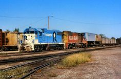 Net Photo: RI 4340 Chicago, Rock Island & Pacific (Rock Island) EMD at Belleville, Kansas by Rob Kitchen Rock Island Railroad, Islands In The Pacific, Abandoned Train, Railroad Photography, Rail Car, Chicago Photos, Train Pictures, Photo Location, Model Trains