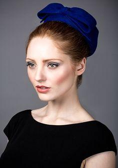 Rachel Trevor Morgan AW 2014 R14W9 - Royal blue fur felt beret with bow