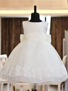 Ball Gown Jewel Floor-length Organza Flower Girl Dress With Lace Bowknot