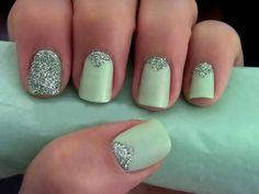 Love the one sparkled finger. I do this often.
