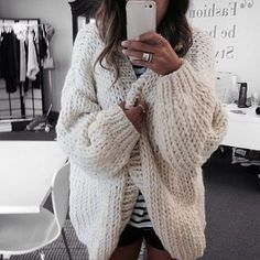 ISO chunky knit cardigan ISO Not for sale. Looks Street Style, Looks Style, I Love Mr Mittens, Mode Outfits, Cozy Sweaters, Oversized Sweaters, Oversized Jeans, Vintage Sweaters, Mode Inspiration