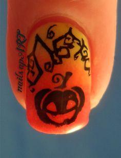 Halloween Gradient Manicure