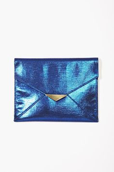 These 16 glam clutches are all you need for a night out