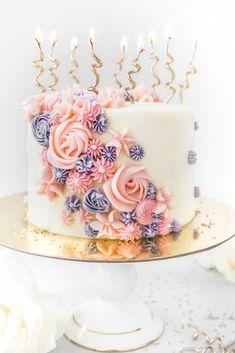 Buttercreme-Blumen-Geburtstags-Kuchen by Flour & Floral. 2019 Buttercreme-Blumen-Geburtstags-Kuchen by Flour & Floral. The post Buttercreme-Blumen-Geburtstags-Kuchen by Flour & Floral. 2019 appeared first on Birthday ideas. Pretty Birthday Cakes, Birthday Cake With Flowers, 60th Birthday Cakes, Birthday Cakes For Women, Birthday Cake Girls, Pretty Cakes, Beautiful Cakes, 28th Birthday, Elegant Birthday Cakes