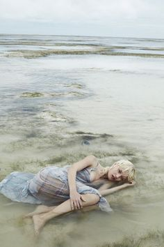 Alicja Tubilewicz stars in a dreamy Elle Poland shoot by Agata Pospieszynska [Editorial]