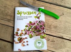 Jetzt 10 Sprossen-Magazine plus Herbamare-Messer gewinnen! Herbamare, Plastic Cutting Board, Blog, Sprouts, Knives, Fresh, Foods, Tutorials