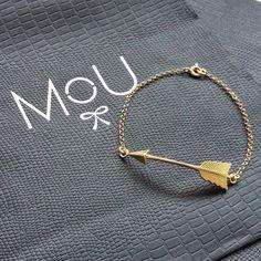 Gold plated arrow bracelet in minimal boho style by MOU