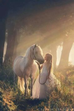 https://i.pinimg.com/236x/e4/90/cc/e490cc8895178d408c98110847090147--fairy-tale-photography-magical-photography.jpg