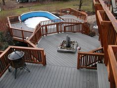 Decks.....just dreaming here, but how beautiful! Jerald and I are master Deck Builders now! Anything is possible!