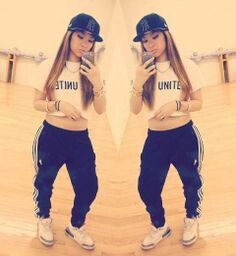 Tomboy swag Joggers Outfit, Adidas Outfit, Shirt Outfit, Adidas Pants,  Adidas Sweatpants