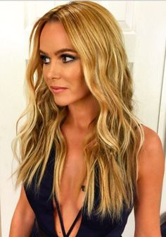 I am in love with Amanda holdens hair! Love the fishtail underneath :)