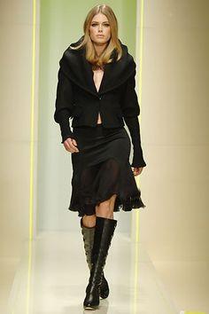 Versace Fall 2005 Ready-to-Wear Fashion Show - Doutzen Kroes