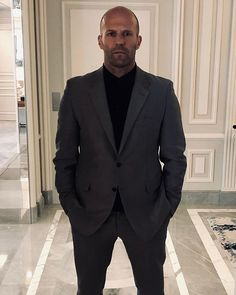 Jason Statham Press tour Paris: Celebrity Style Hobbs And Shaw Jason Statham Movies, Jason Statham And Rosie, Press Tour, The Expendables, Dwayne Johnson, Fast And Furious, Hobbs, Hollywood Celebrities, Gentleman Style