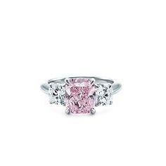 Tiffany & Co. Platinum Fancy Intense Purplish Pink Diamond Ring *My dream ring* Pink Diamond Engagement Ring, Pink Diamond Ring, Engagement Ring Photos, Diamond Jewelry, Modern Jewelry, Fine Jewelry, Jewellery, Rosa Ring, Colored Diamonds
