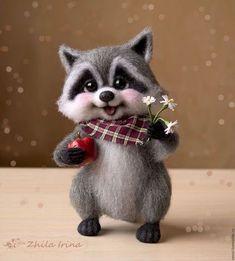 Cute Needle felting wool cute racoon (Via Baby Animals Super Cute, Cute Stuffed Animals, Cute Little Animals, Needle Felted Animals, Felt Animals, Needle Felting, Wonder Zoo, Racoon, Animal Projects