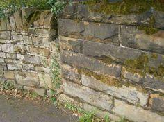 Cut Mark: Skelmanthorpe, Railway Bridge     SE 23114 11052