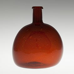 KAJ FRANCK - Glass bottle for Nuutajärvi Notsjö in the 1960/70's, Finland. [h. 20 cm] Glass Design, Design Art, Lassi, Hot Sauce Bottles, Glass Bottles, Finland, Whiskey Bottle, Modern Contemporary, Scandinavian