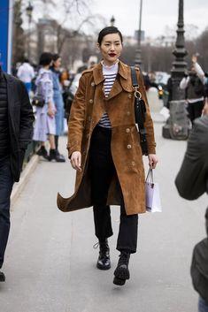 Minimalist Fashion - My Minimalist Living Older Women Fashion, Fashion Tips For Women, Womens Fashion, Fashion Edgy, Fashion Fall, Fashion 2018, Cheap Fashion, Fashion Online, Fashion Websites