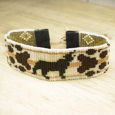 Wolf Bracelet - Bead Bracelet - Adjustable Bracelet - Animal Bead Bracelet - Womens Bracelet - Boho Style Jewelry - Gifts For Her Seed Bead Bracelets, Cuff Bracelets, Friendship Bracelets, Beading Tutorials, Beading Patterns, Bohemian Style Jewelry, Boho Style, Jewelry Gifts, Unique Jewelry