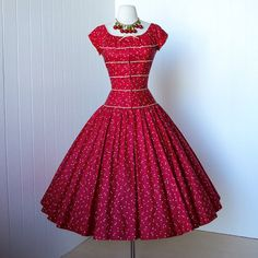 vinobraní 1950 je šaty ... fantastické návrhář PAT PREMO podle traven7