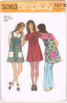 MOMSPatterns Vintage Sewing Patterns - Simplicity 5063 Vintage Sewing Pattern ADORABLE Mod Square Contrast Inset Yoked Button Front Smock Top, Pin Tucks Mini Twiggy Dress by catalina Robes Vintage, Vintage Outfits, Vintage Dresses, Vintage Fashion, Vintage 70s, Vintage Dress Patterns, Clothing Patterns, Shirt Patterns, 1970 Style